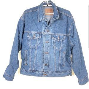 Levi's classic trucker style denim jacket